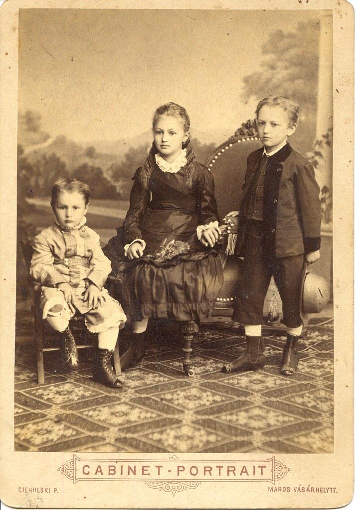 Máriskó, Joskuc és drága János