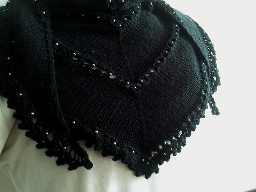chèche oeillets et picots - noir et perles bleues (2)