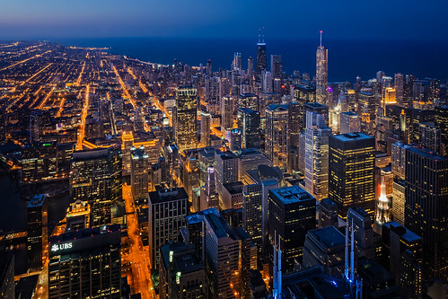 world city nightphotography usa lake chicago building tower water night skyscraper town illinois twilight downtown cityscape nightscape unitedstates dusk lakemichigan il northamerica bluehour theloop 2014 willistower