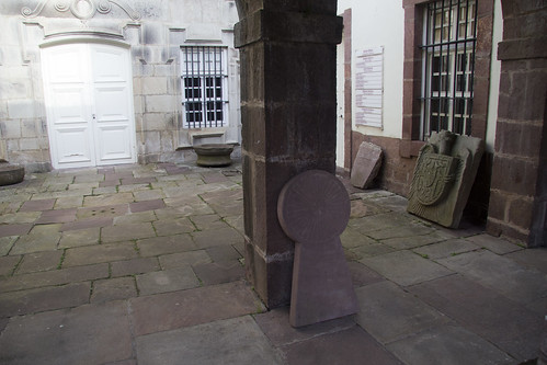 Lápidas, Palacio Arizkunenea, Elizondo