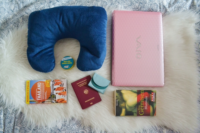 What´s in your travel bag Eugli (1)