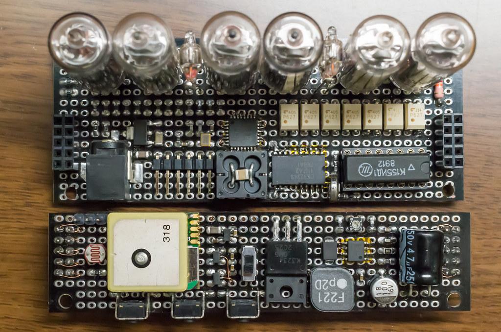 ニキシー管時計 基板