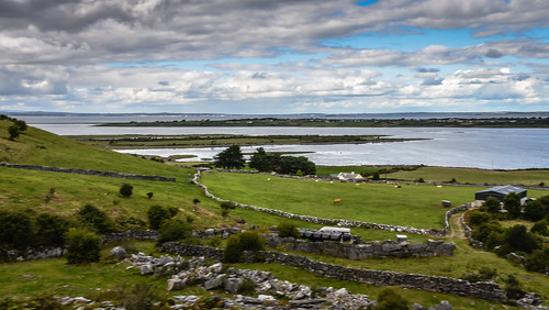 county ireland sea irish west galway water landscape bay harbor countryside fishing meer europe village harbour eu irland eire na inlet irlanda irlande kinvara éire kinvarra cinn mhara poblacht airlann westerm héireann