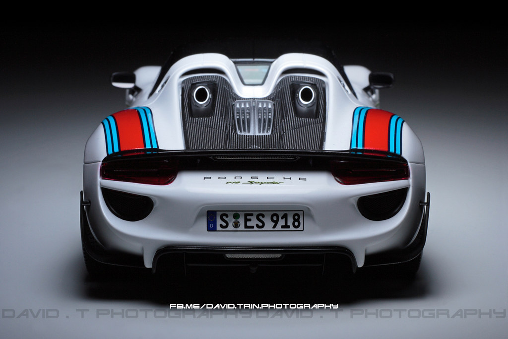 1 18 martini racing porsche 918 spyder weissach package modelcarforum. Black Bedroom Furniture Sets. Home Design Ideas