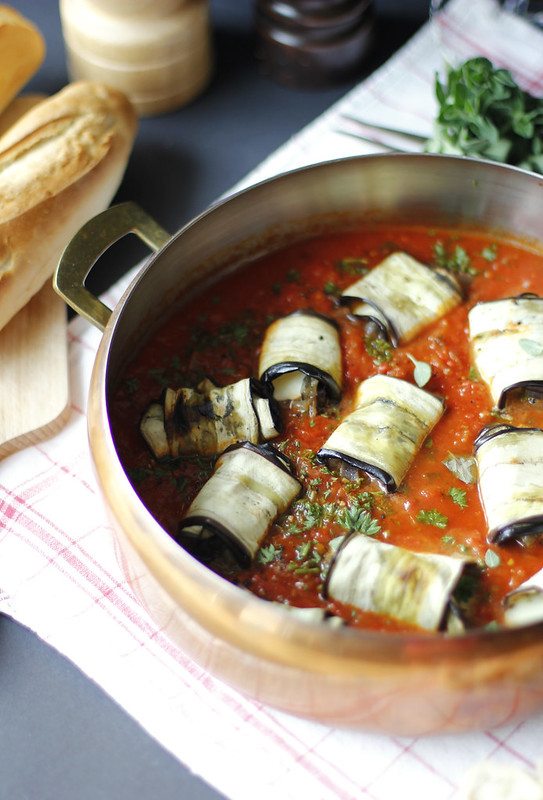 _MG_6254  Rollitos de berenjena con mozarrella y  salsa de tomates casera