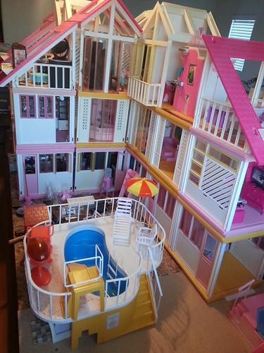 Vintage Barbie Dreamhouse 106