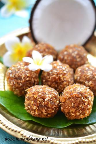 Coconut-Jaggery-Ladoo