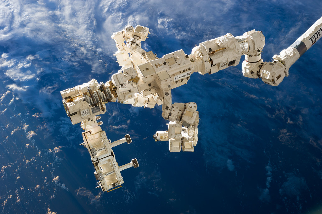 Canadarm2 and Dextre