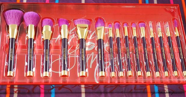 Sonia Kashuk 15th Anniversary Brushes2