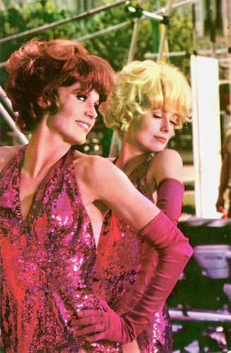 Francoise Dorléac and Catherine Deneuve in Les Demoiselles de Rochefort