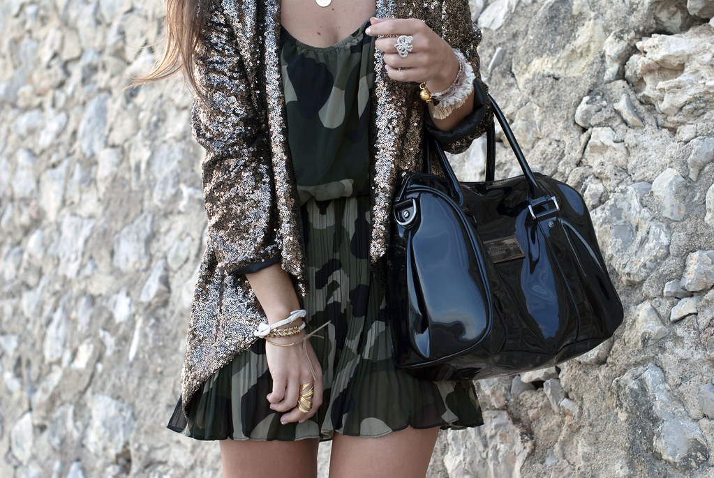 SEQUINS blazer & CAMO dress | theguestgirl 01
