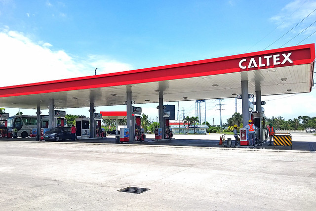MID-DAY SHOT OF CALTEX GAS STATION IN SLEX USING NOKIA LUMIA 930.