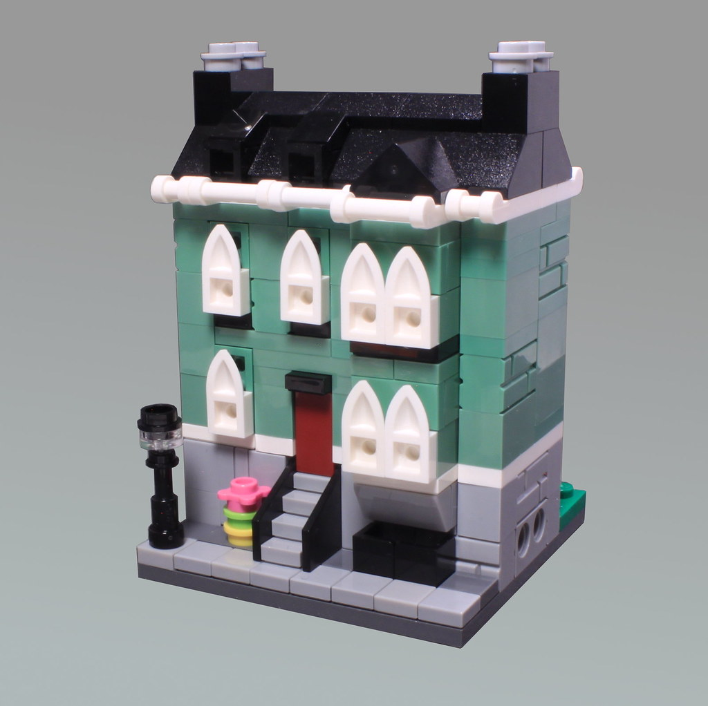 Mini Modular Town House (custom built Lego model)
