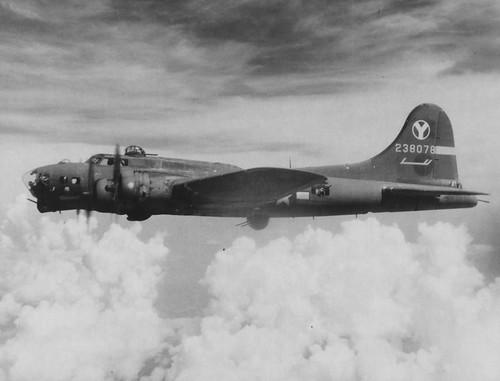 B-17G-25-DL -42-38078 (Sweet Pea) 429th Bomb Squadron Squadron