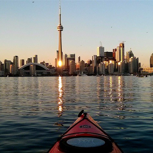 Sunset paddle through the Toronto Islands with the Harbourfront group #kayaktime