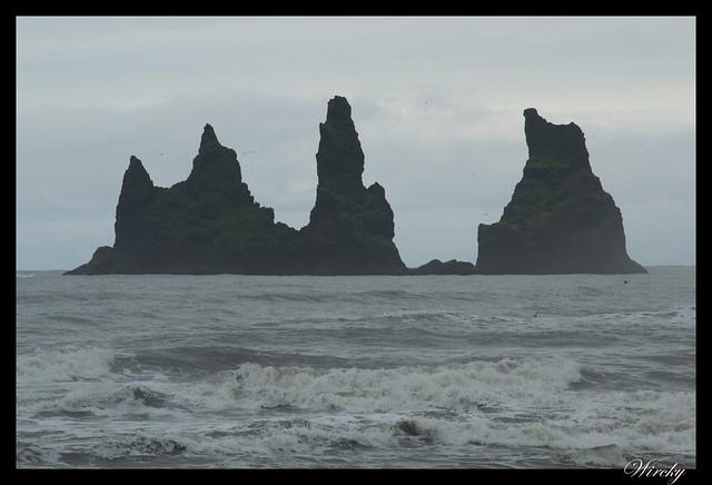 Rocas Reynisdrangar desde Vík í Mýrdal