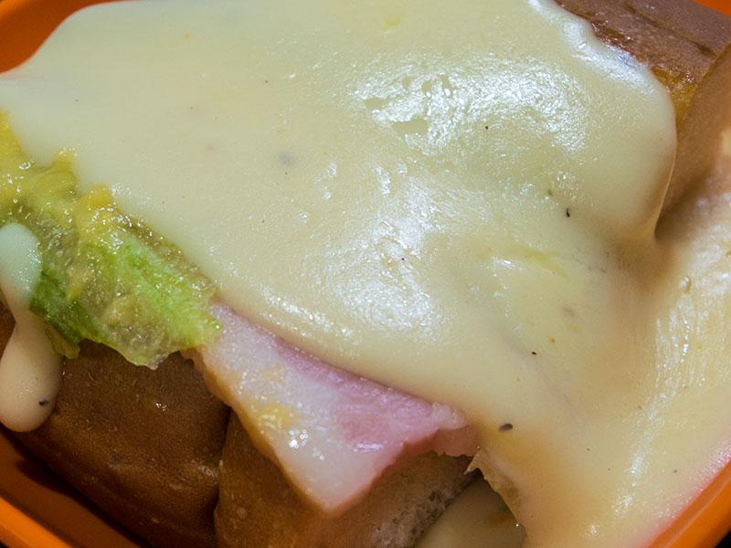 チーズフォンデュドッグ