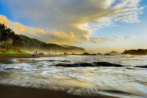clouds taiwan wave 台灣 yilan eastcoast toucheng 頭城 waiao 外澳 宜蘭縣 浪絲