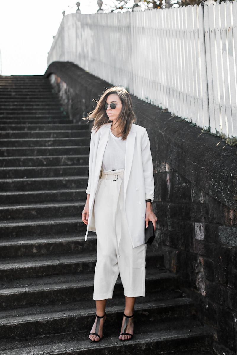 modern legacy fashion blog street style all white suit Bassike slouch pants T Bar Mode Collective heels muscle tank work office wear (2 of 11)