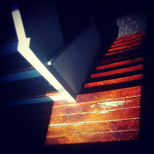 Sunlight in the stairwell @Deskey, part one...