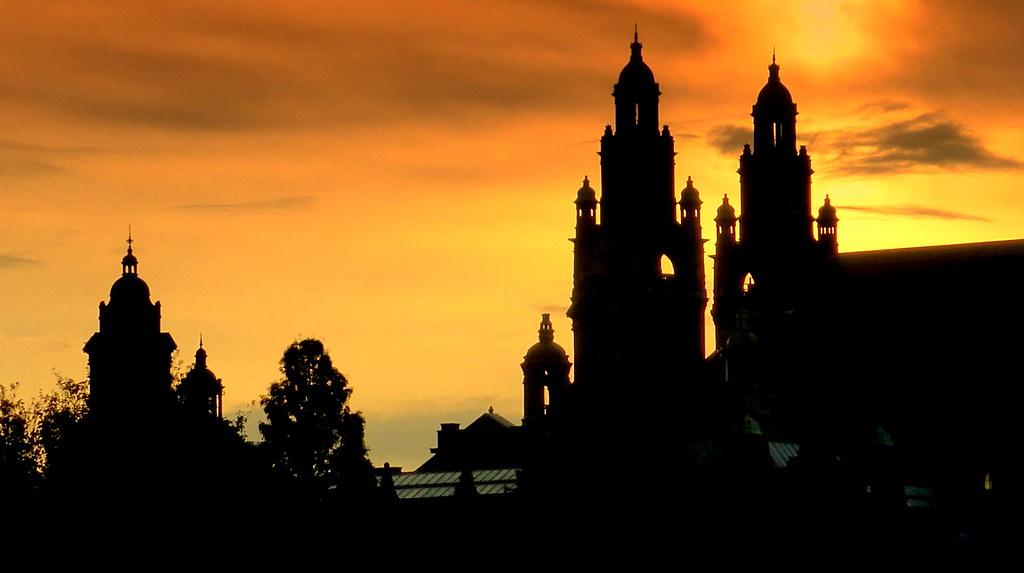 Glasgow Silhouette