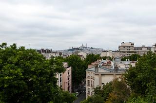 Vue sur Montmartre depuis le quartier de la Butte Bergeyre