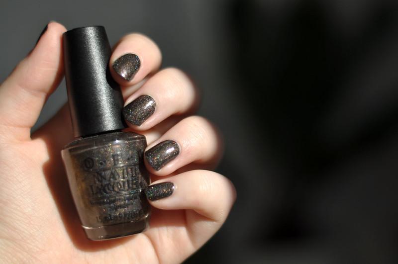notd opi my private jet nail polish rottenotter rotten otter blog 3
