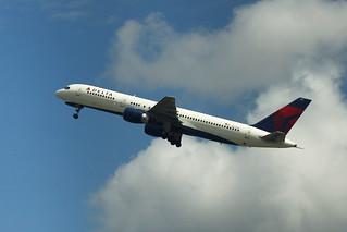Delta N633DL: Boeing 757-200