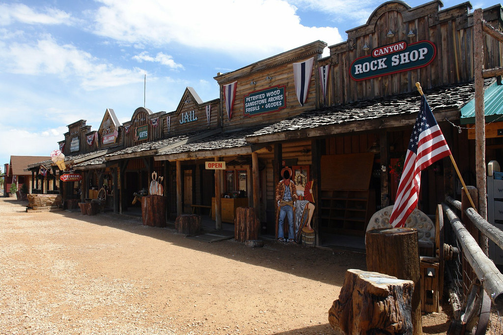 Pueblo muy tipicamente americano por la Scenic route 12 carretera escénica 12 de utah, all-american roadtrip - 15377054122 b41974a1fd b - carretera escénica 12 de utah, all-american roadtrip