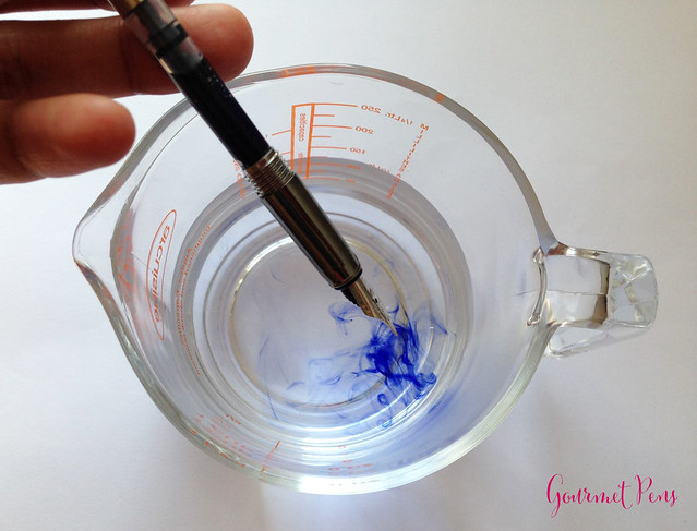 The Basics: Cleaning A Fountain Pen With A Converter