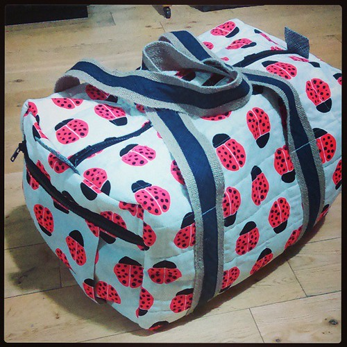 Travel duffle is done and up on the blog! Link in profile. V pleased it's done! #travelduffel #travelduffle #travelhandmade