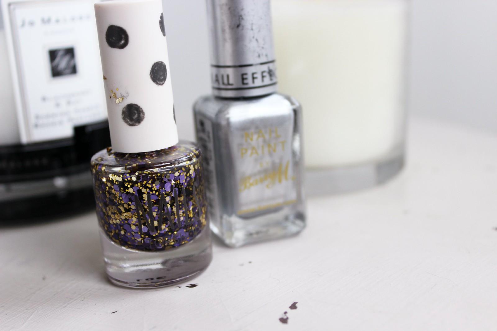 Glitter tip nails 4