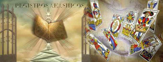 Imagen fundiendo una tirada de cartas de el tarot con los registros akáshicos