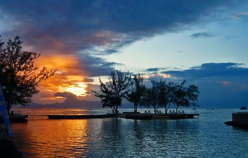 bali beach island boat tahiti borabora moorea atoll resott