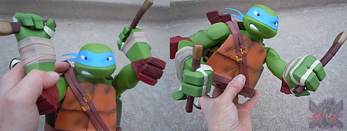 "DIAMOND SELECT TOYS :: Nickelodeon  TEENAGE MUTANT NINJA TURTLES;  ""LEONARDO"" Vinyl Bust Bank vii / ..articulates at shoulders & wrists (( 2014 ))"