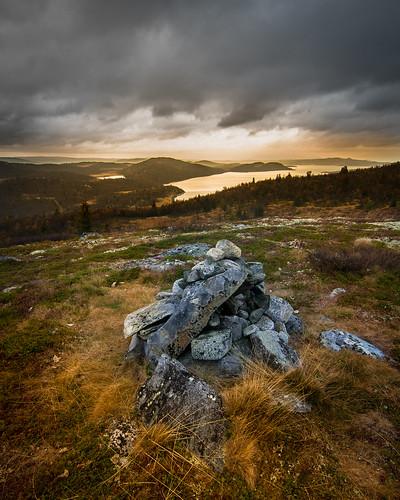 fall grass norway stone rocks skies cairn varde buskerud rødungen såtefjell