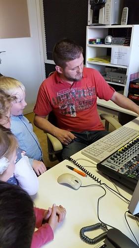 Kleuters op bezoek in de studio