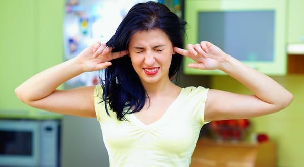 5 Cara mengatasi Telinga Kemasukan Air