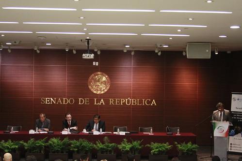 Seminario: Necesidades forenses en México frente a las desapariciones y fosas 21/abr/17