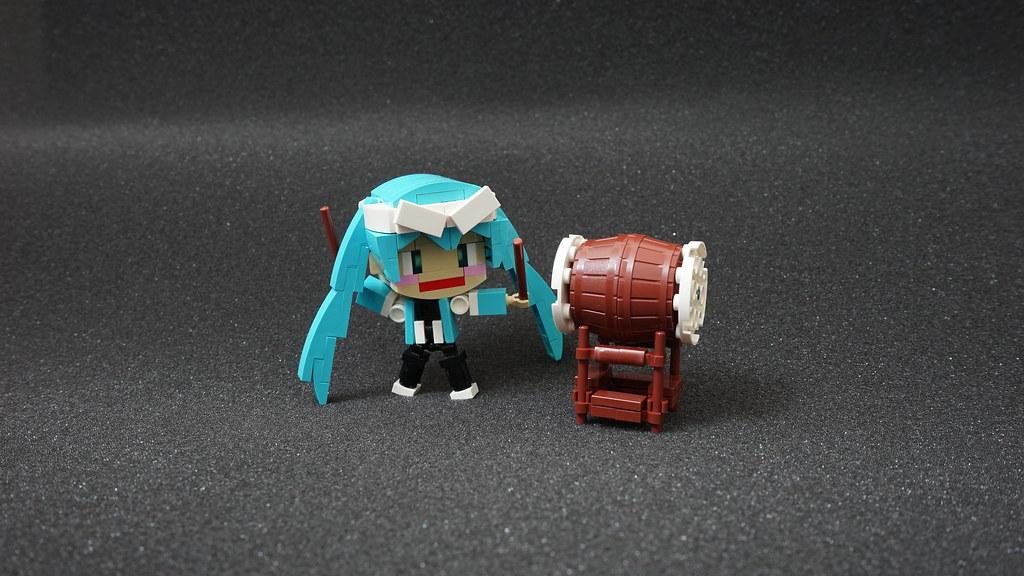 KodoMiku (custom built Lego model)