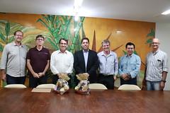 13-12-18 REUNIÃO COM O EMPRESÁRIOS DE DOMINGOS MARTINS E O SECRETARIO DE AGRICULTURA PAULO ROBERTO