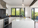 How to Properly Light Your Kitchen Counters (10 photos)