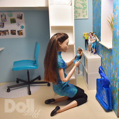 The small doll collection is growing 😊 . #doll #dollstuff #dollstuffandmore #barbiefashion #barbie #barbiestyle #barbieworld #fashiondoll #dollphoto #dollstagram #barbiefashionista #madetomove #barbiecollector #dollphotographer #barbiegram #dollworl