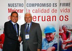 Ministro de Vivienda Javier Piqué se reúne con gobernador regional de Cajamarca Mesías Guevara en el 10° Gore Ejecutivo.