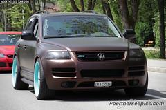 Brown VW Touareg